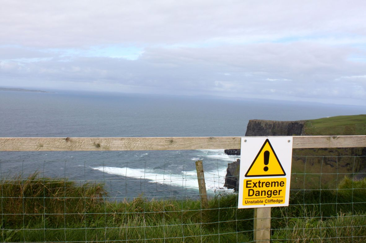 sign unstable cliff